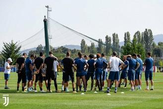 Juve - A Vinovo si prepara il Cagliari. Allegri pronto a cambiare