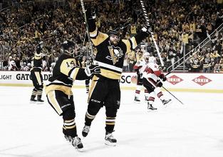 Los Penguins empatan la serie en la final de la Conferencia Este