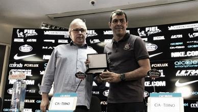 Corinthians anuncia renovação de Fábio Carille por mais duas temporadas