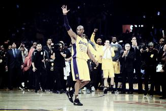 Há um ano, Kobe Bryant anotava 60 pontos e se despedia do basquete