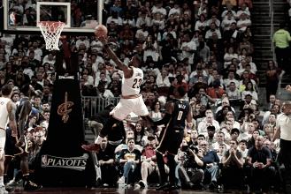 No sufoco, Cavaliers abrem playoffs vencendo primeira partida contra Pacers