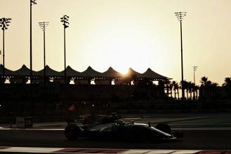 Vettel es primero en los FP1, mientras que Hamilton arrasa en los FP2 batiendo récord