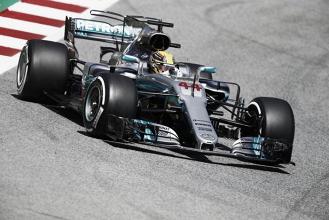 Lewis Hamilton domina treino classificatório do GP da Espanha