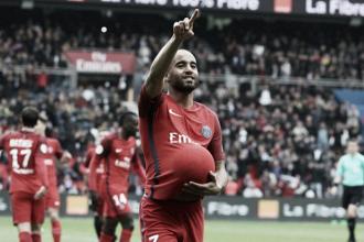 Com gols de Lucas e Marquinhos, PSG goleia lanterna Bastia e segue na cola do Monaco