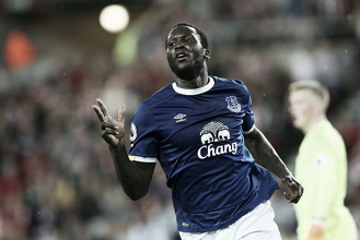Mourinho aponta evolução de Rashford e não descarta parceria com Lukaku