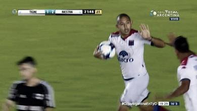 El salvavidas: Carlos Luna, la garantía de gol