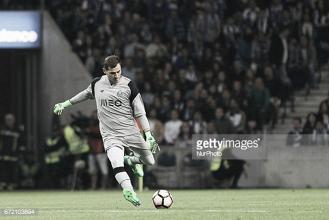 FC Porto: Iker Casillas continua no Dragão