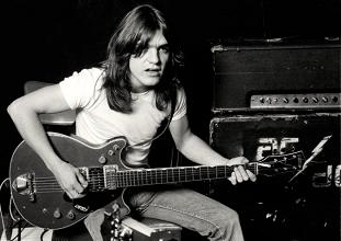 AC/DC, Malcolm Young tomó la autopista hacia al infierno
