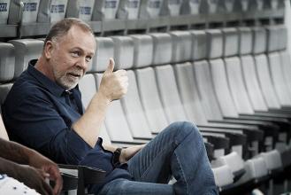 """Após empate, Mano Menezesevita falar de arbitragem: """"Sou chorão sempre"""""""