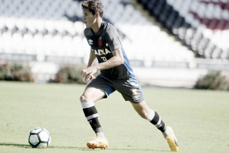 Em bom momento no Vasco, Mateus Vital projeta duelo contra o Grêmio