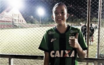 Convocada para a Seleção Brasileira Sub-20, lateral Mayara do América-MG celebra chamado