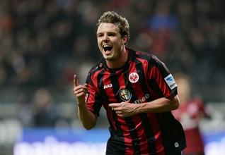 400e victoire en Bundesliga pour Frankfurt et première à domicile cette saison !