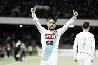 Mertens renova com Napoli e cláusula prevê ida para futebol chinês