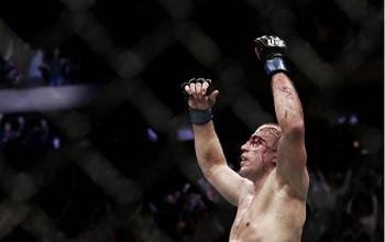 Georges St-Pierre finaliza Michael Bisping, conquista cinturão e faz história no UFC 217
