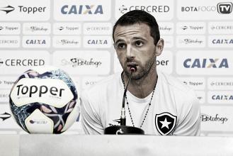 Montillo garante devolver salários ao Botafogo durante período no departamento médico