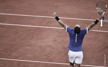 Nadal passa fácil por Thiem e faz 10º final de Roland Garros