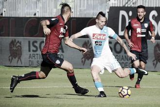 Previa Nápoles - Cagliari: ganar para aspirar a retrasar el alirón