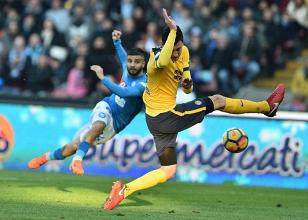 Serie A - Il Napoli vola, Koulibaly e Callejon abbattono il muro del Verona