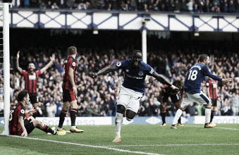 Com dois de Niasse, Everton vira sobre Bournemouth e volta a vencer na Premier League