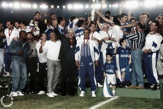 Libertadores 20 anos: Cruzeiro comemora bicampeonato em cima do Sporting Cristal-PER
