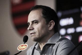 Caetano vê campanha 'pífia' do Flamengo como visitante e admite desilusão com Conca