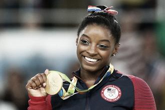 Cinco vezes medalhista olímpica no Rio, ginasta Simone Biles denuncia abuso de ex-médico