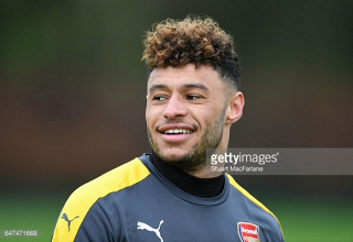 Chamberlain's Arsenal future still unclear, Liverpool and City continue to circle