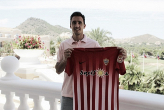 """Pablo Caballero: """"Espero demostrar por qué el Almería apostó por mí y devolver esa confianza"""""""