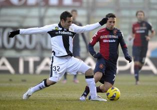 Parma - Cagliari, una sfida ad armi pari