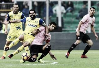 Serie A - Chievo e Palermo tra noia e delusione, i siciliani sono in B (1-1)