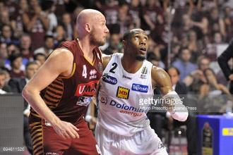 LIVE - Legabasket, Finale Scudetto tra Umana Reyer Venezia - Dolomiti Energia Trentino: i padroni di casa pareggiano la serie vincendo 79-64.