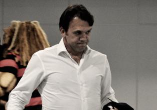 Após derrota e vaias, Petkovic minimiza situação: ''É normal''