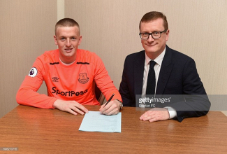 Everton complete club-record signing of Jordan Pickford