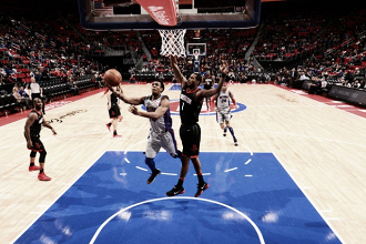 Los Pistons meten batacazo ante los Rockets