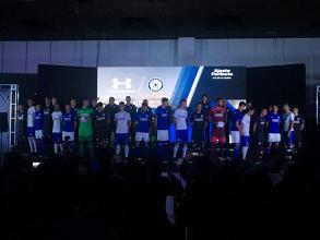 Cruz Azul presenta su nuevo uniforme