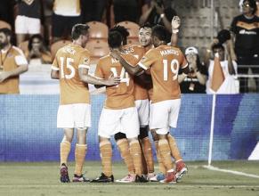 Houston Dynamo golea a unos 'Royals' rendidos