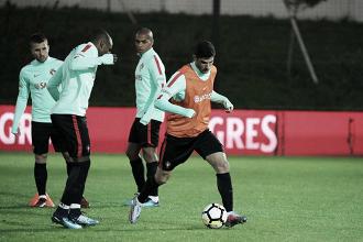 Gonçalo Guedes y Joao Cancelo acudirán a la cita con Portugal