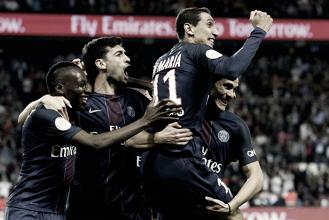 El PSG golea a un valiente Guingamp y sigue a la caza del Mónaco