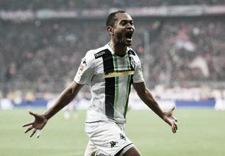 Raffael atinge importante marca no Mönchengladbach e continua a fazer história