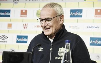 """Claudio Ranieri: """"Contra PSG, si pudiera, jugaría con 22 jugadores"""""""