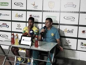 """Juan Carlos Álvarez: """"Uno tiene que entregar bien la pelota esté en la mitad, la izquierda o la derecha"""""""