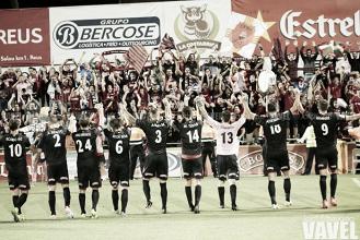 El Reus celebra la permanencia con victoria y golazos