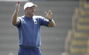 Roberto Fernandes deixa o comando técnico do Paraná