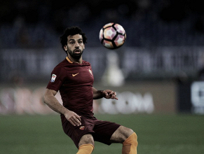 Roma, ufficiale l'addio di Salah. L'egiziano vola a Liverpool per 42 milioni più 8 di bonus