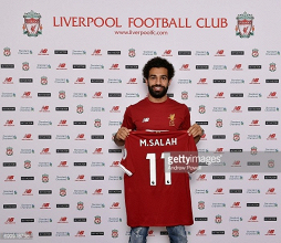 Liverpool confirm club-record signing of Mohamed Salah