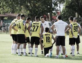 Santa Cruz encerra preparação para enfrentar o Confiança-SE