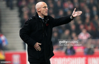 Bob Bradley insists Swansea must react against Manchester United