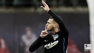 """""""Lei do ex"""" funciona, Selke marca dois e Hertha Berlin vence Leipzig fora de casa"""