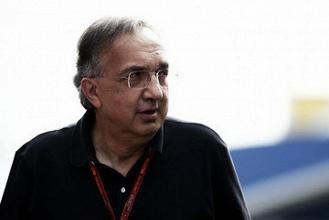 Marchionne espera que Ferrari renueve a Vettel