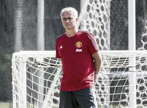 """Mourinho pede mais reforços para United: """"Não estamos satisfeitos apenas com Lukaku e Lindelöf"""""""
